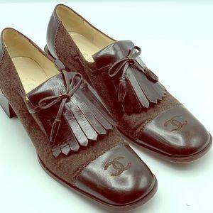 Chanel Kiltie Oxford Shoe Brown CC Logo Sz 39